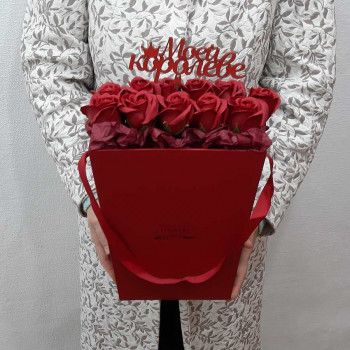 Коробка с розами из мыла Моей Королеве