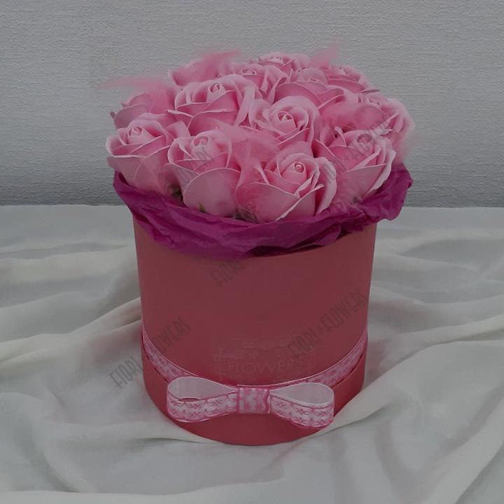 Коробка с розами из мыла Первая улыбка