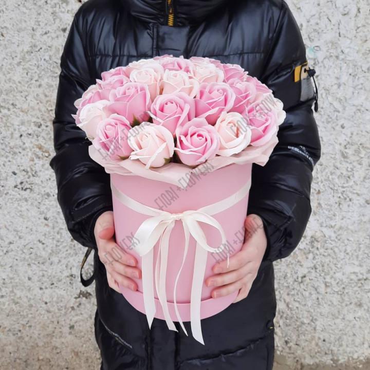 Коробка с розами из мыла Дыхание февраля