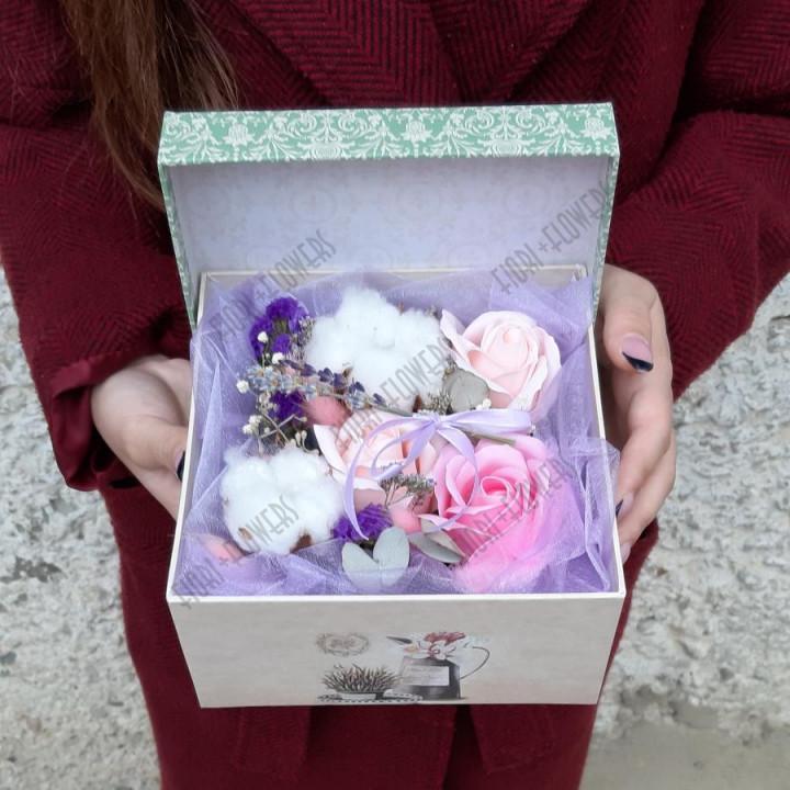 Коробка с розами из мыла Воздушный полет